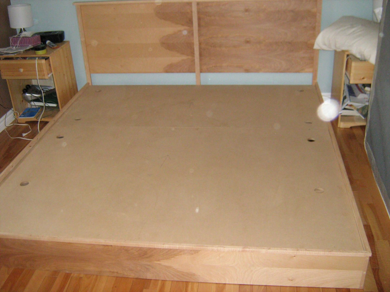 How to build a cheap king size platform bed quick for Simple bed diy